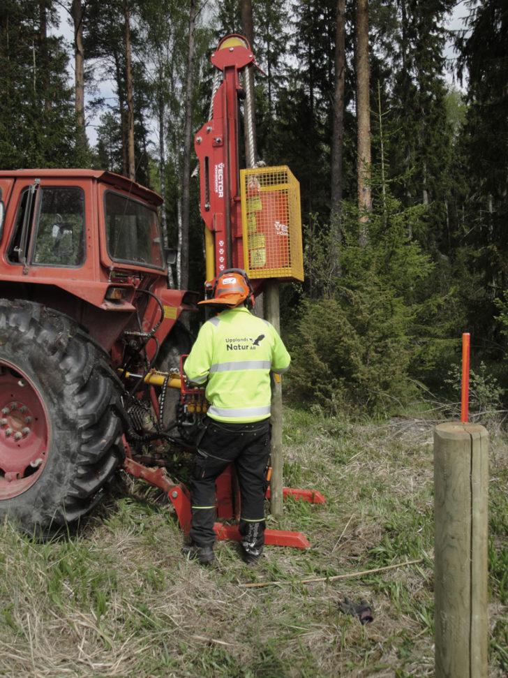Montering av stolpar för staket